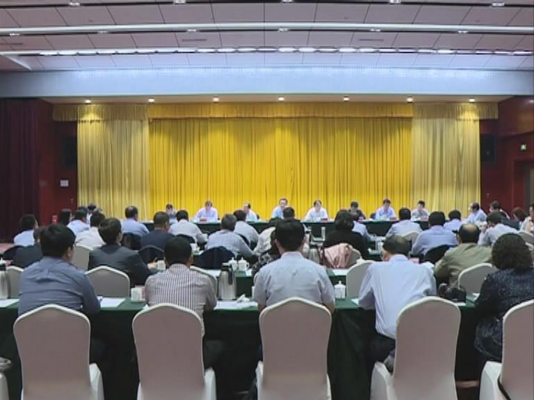 省人大常委会党组书记 副主任郭迎光就新一届人大五年立法规划在我市调研